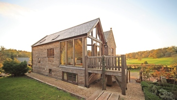 oak-frame-house-with-direct-glazing